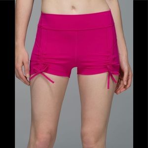 Lululemon Liberty Shorts Jewelled Magenta